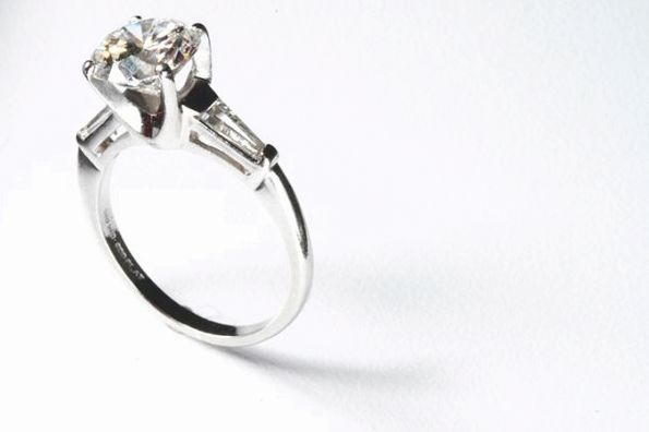engagement ring' /